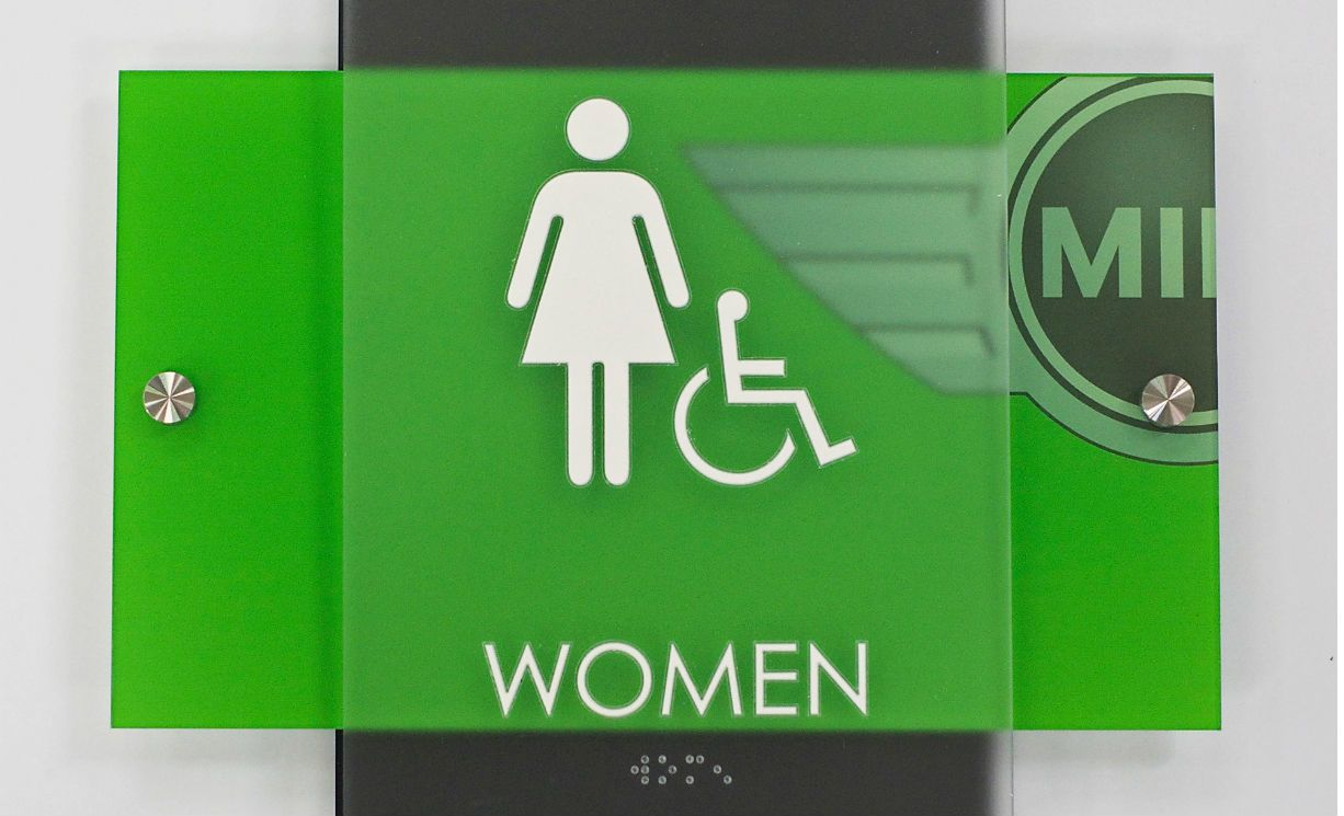 restroom-sign-for-women-with-braille