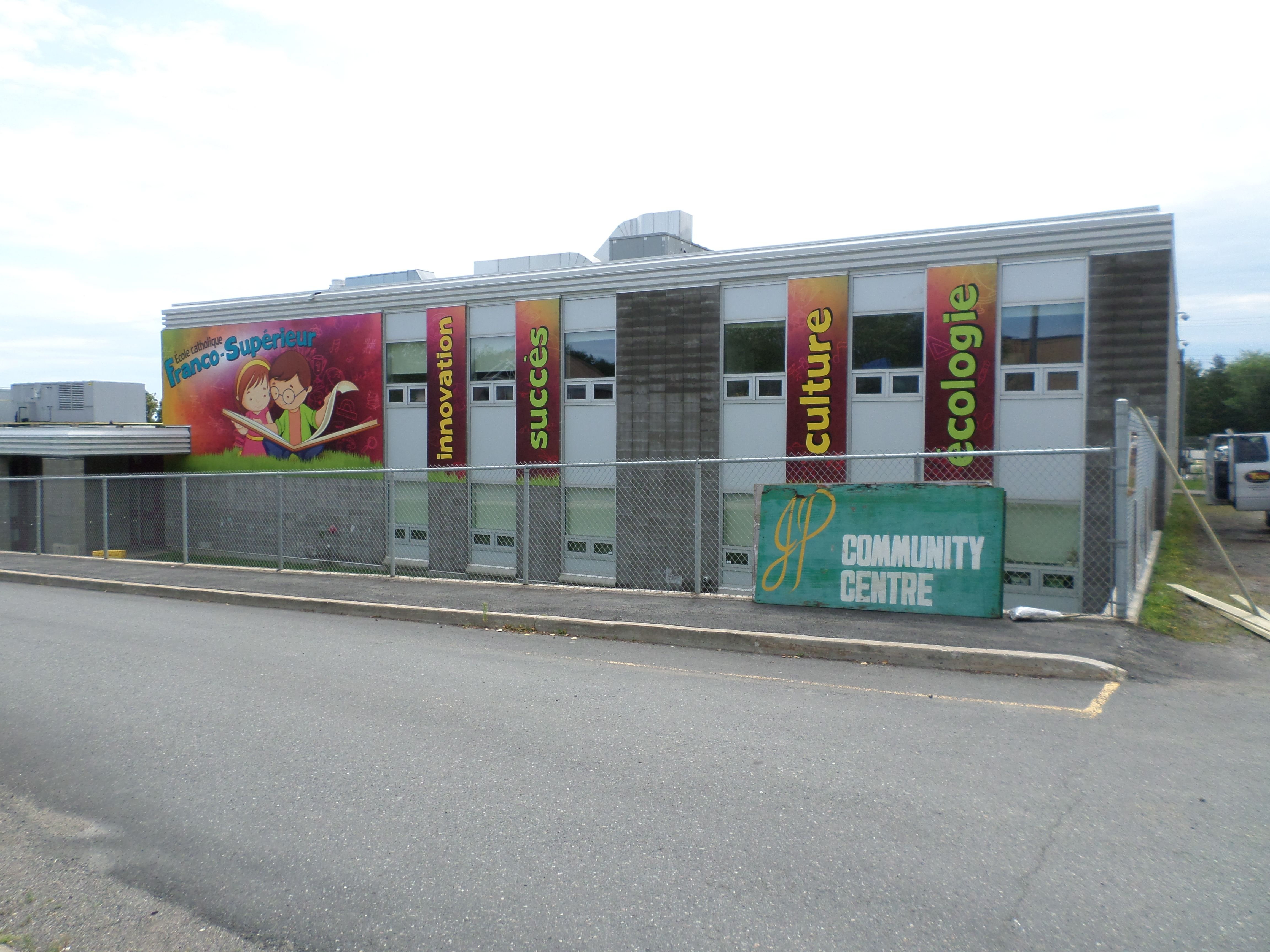 Outdoor and exterior signage graphics signs now thunder bay