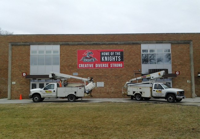 Vinyl Banners | Outdoor Wall Letters & Graphics | Schools, Colleges & Universities Signs | Rockford, IL